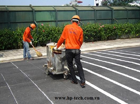 Thi công sơn kẻ vạch bãi đỗ xe tòa nhà Keang Nam